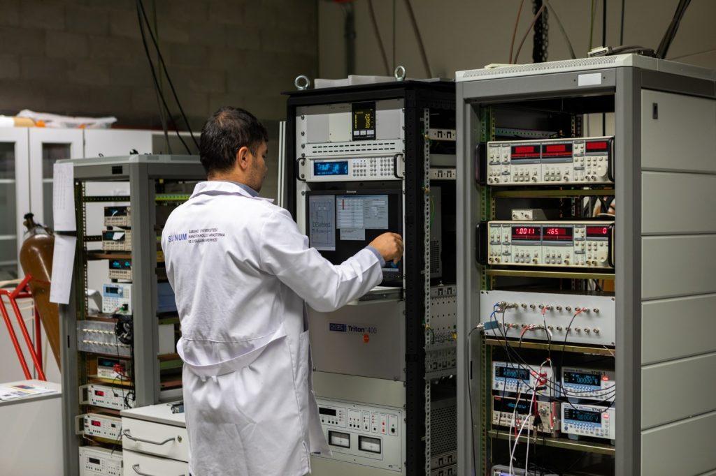 SUNUM | Nanoelectronics and Nanomagnetics